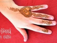 12-mehndi-design-heart