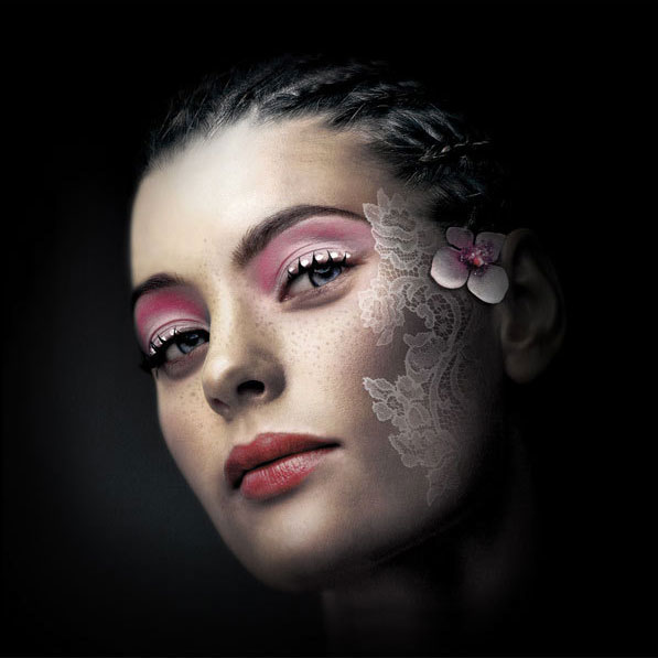 photo retouching manipulation woman by julien toty