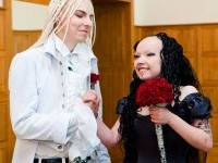 5-goth-wedding-funny-wedding-photography