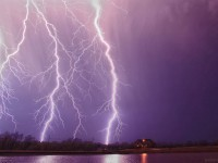 11-purple-lighting-thunder-storm-photography