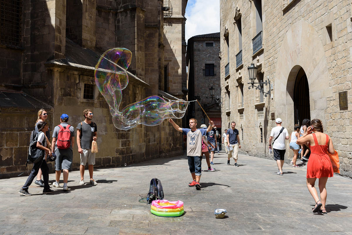 bubbles street photography by berny