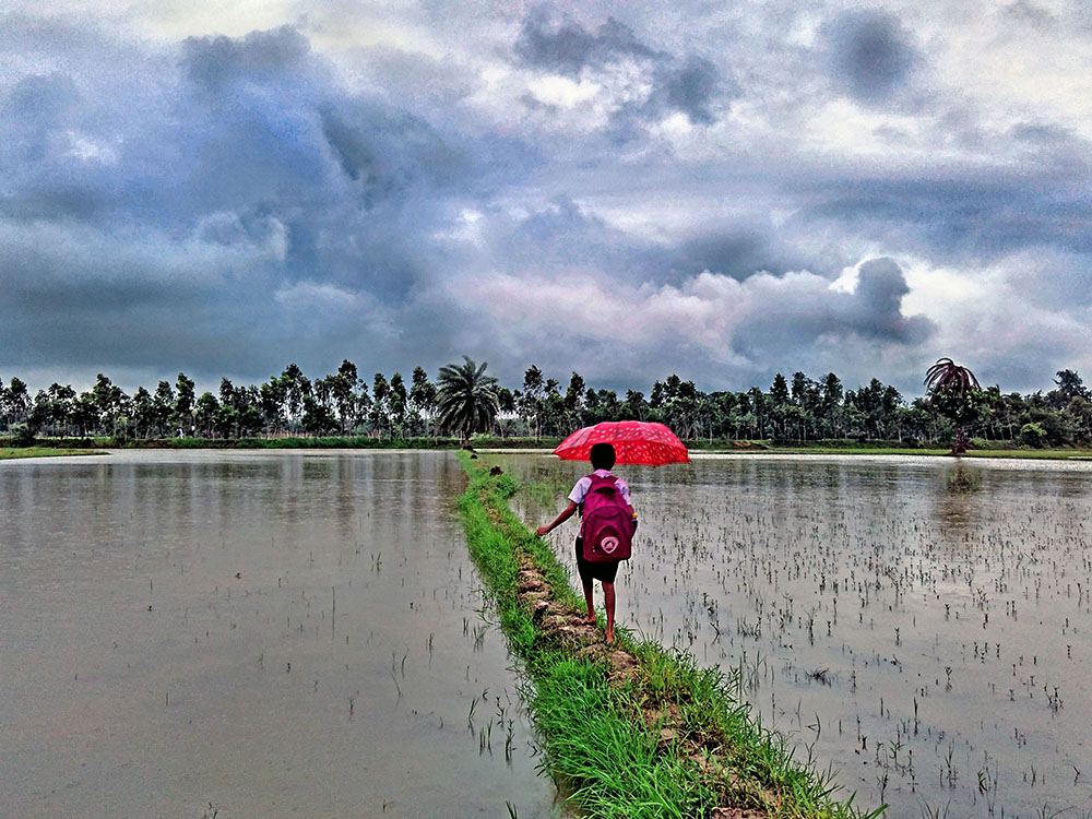 kid school monsoon environment photography by anindya phani