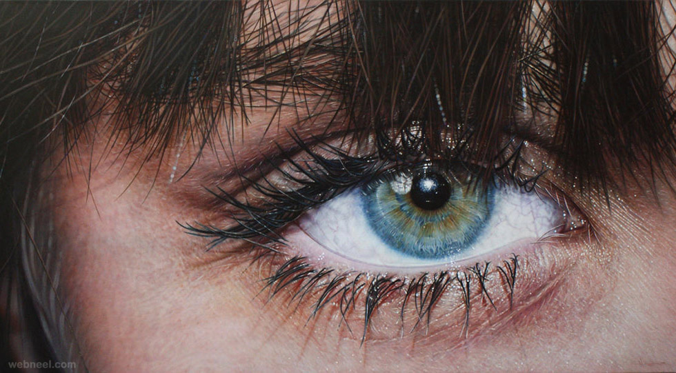 realistic eye painting by simon hennessey