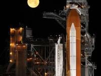 amazing-photography-space-shuttle-moon