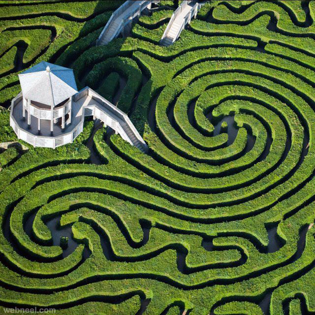 Amazing maze park for Garden maze designs