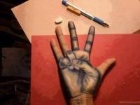16-amazing-drawing-hand-illusion