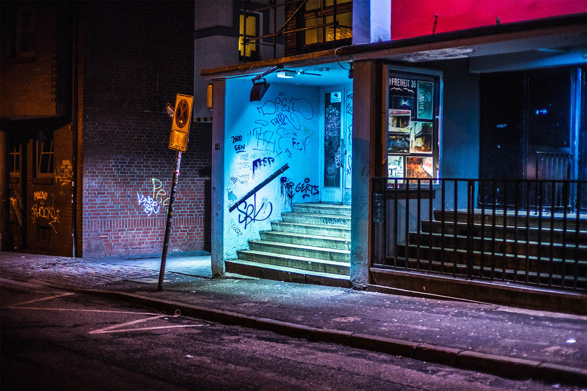 13-hamburg-night-photography-by-mark-broyer