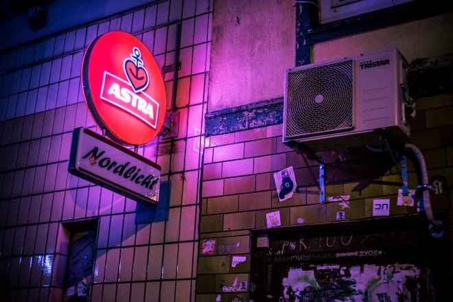 16-hamburg-night-photography-by-mark-broyer