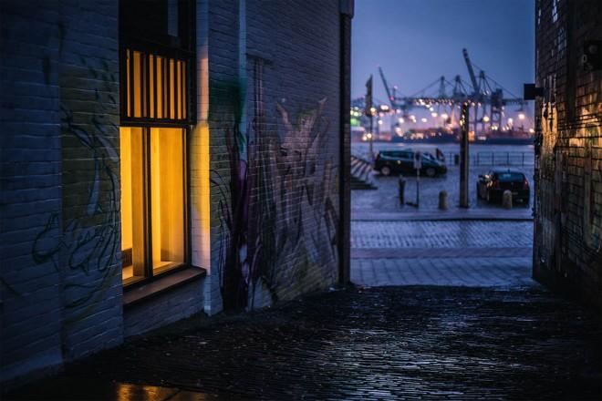 18-hamburg-night-photography-by-mark-broyer