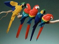 18-color-paper-sculpture-parrot-by-calvin-nicholls
