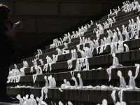 23-ice-sculpture-melting-men
