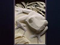 24-paper-sculpture-frog-by-calvin-nicholls