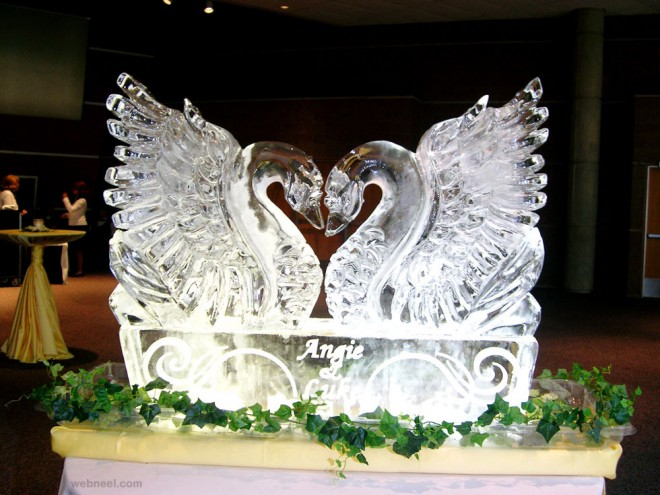 ice sculpture swan