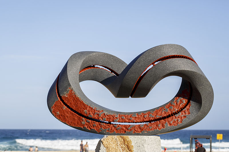 3-abstract-sculpture-by-the-sea-by-keizo-ushio
