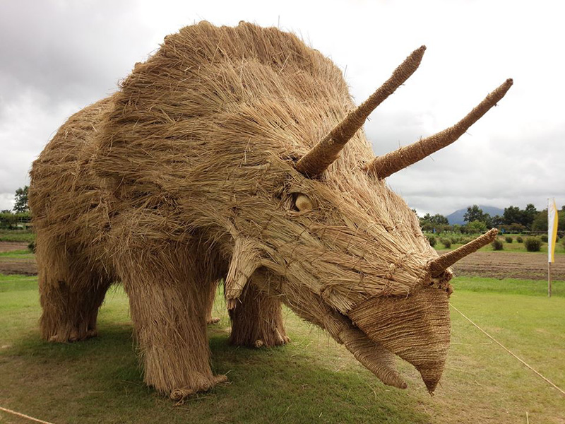rhino rice straw sculpture