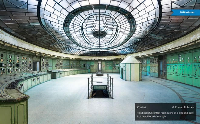 1-controlroom-photography-by-roman-robroek