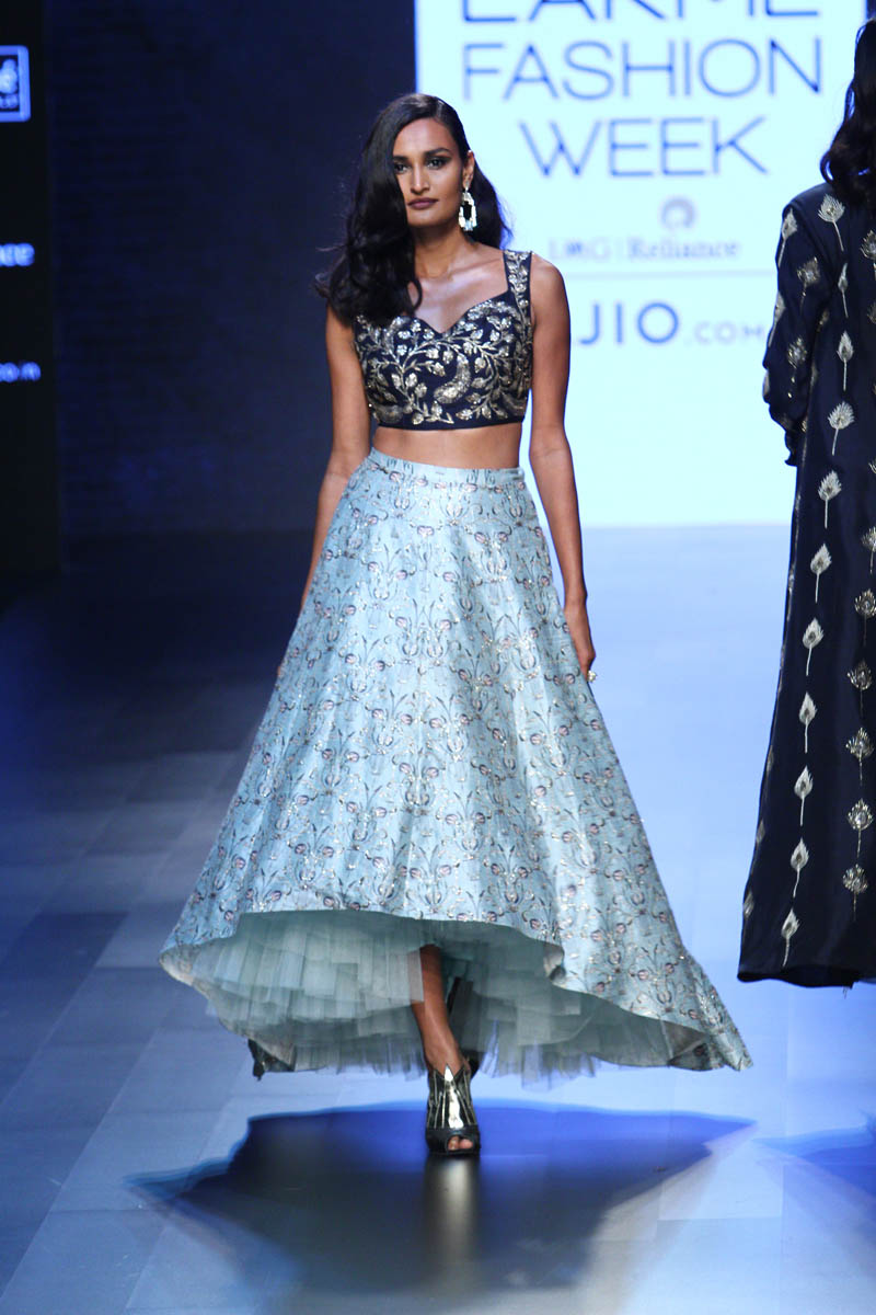 13-blouse-designer-by-payal-singhal