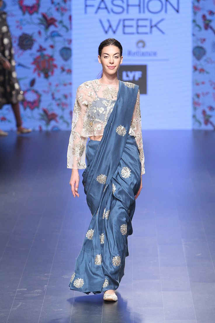 15-blouse-designer-by-payal-singhal