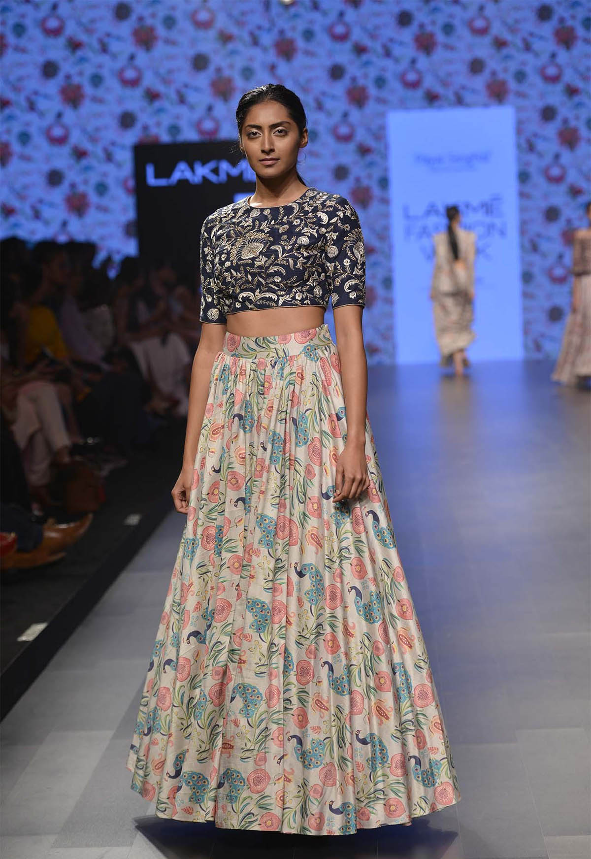 5-blouse-designer-by-payal-singhal