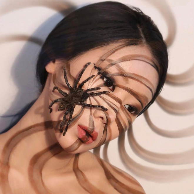 5-illusion-face-painting-by-dain-yoon