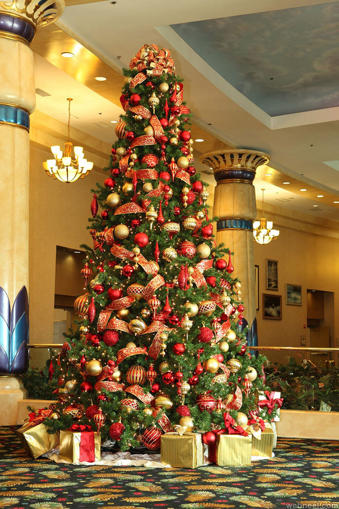 25 beautiful christmas tree decorating ideas for your for Christmas decoration websites