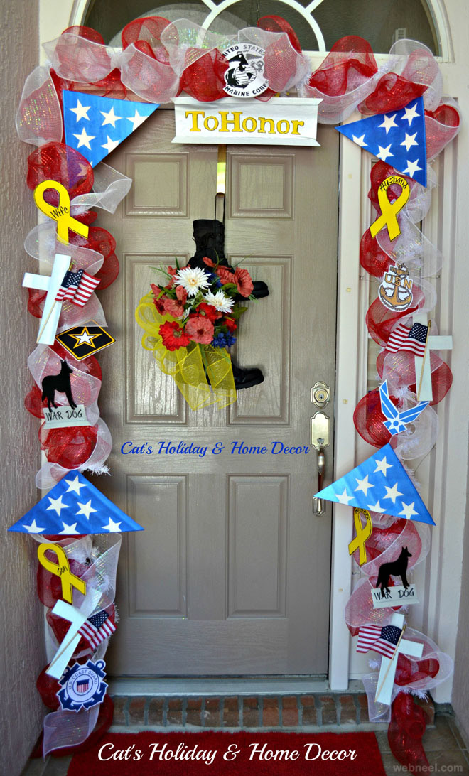 : christmas door decorating idea - www.pureclipart.com