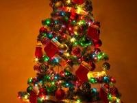 2-christmas-tree-decorating-ideas