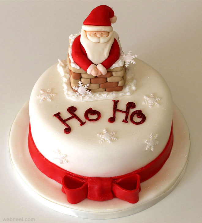 decorating christmas cake , christmas cake