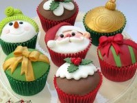 9-christmas-cupcake
