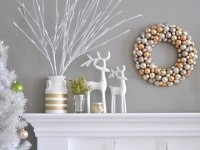 gray-wall-christmas-mantel