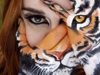 beautiful-face-painting-idea-by-lara-hawker