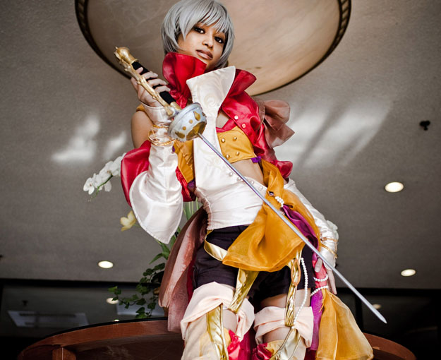 Picture-2 ( 25 Beautiful CosPlay Photographs - Creative Props and Costumes )