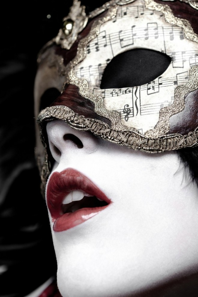 beautiful-beauty-creatve-mask-photography-primo-tacco
