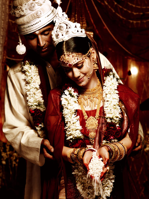 tansihq wedding photography india brid groom%20(1) 20 Gorgeous Wedding Photographs from Tanishq Wedding Advertisement Gallery