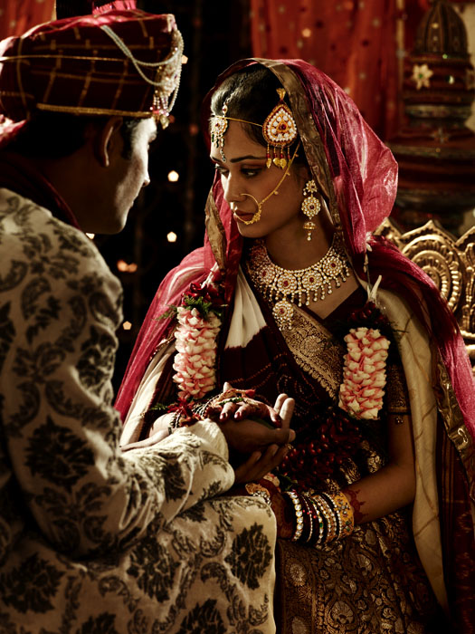 Picture-10 ( 20 Gorgeous Wedding Photographs from Tanishq Wedding Advertisement Gallery )