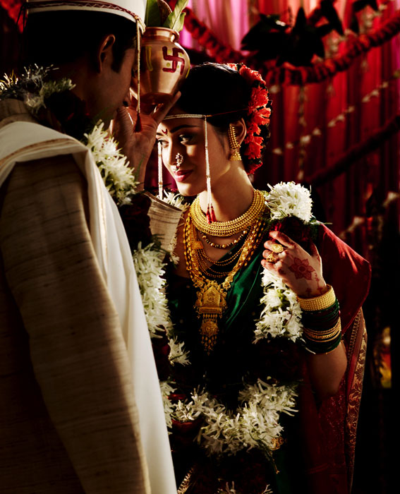Indian Wedding Photography Ideas: 20 Gorgeous Indian Wedding Photographs From Tanishq Wedding