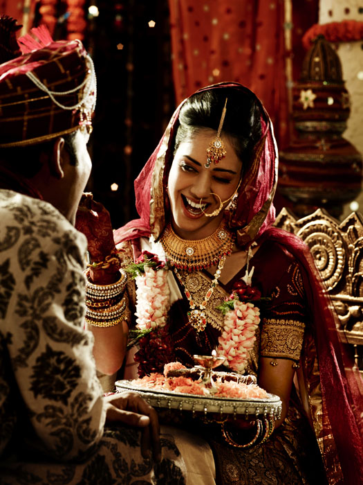 Picture-9 ( 20 Gorgeous Wedding Photographs from Tanishq Wedding Advertisement Gallery )