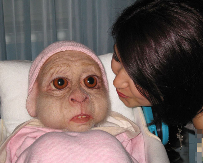 Picture-8 ( 30 Most Controversial Art Sculptures by Patricia Piccinini )