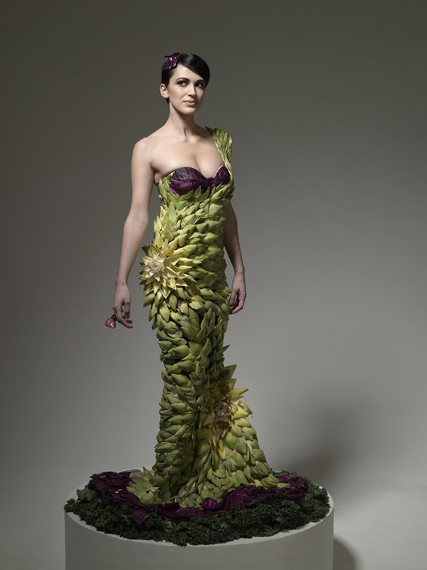 Unusual%20Fashion%20Dress%20(4) 20 Unusual Fashion dresses from premier issue of Virgine Magazine