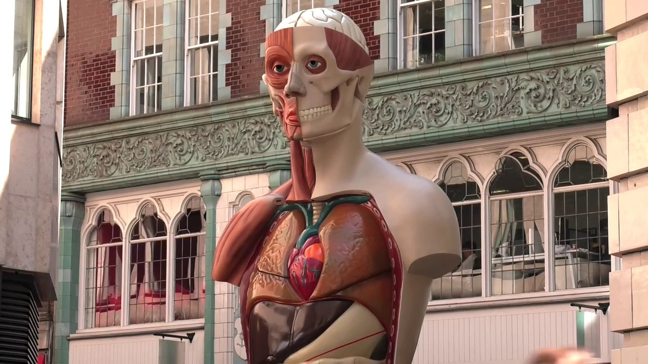 Stunning Sculpture Artworks in the middle of London Making Heads Turn