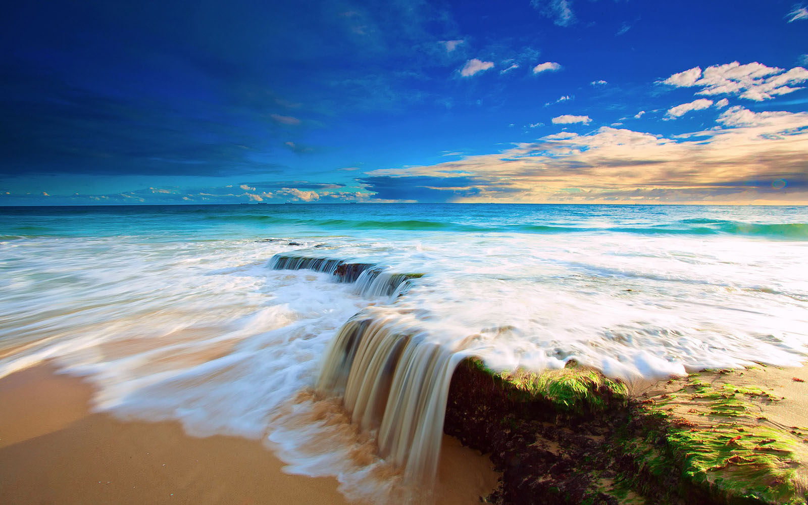 40 Beautiful Beach Wallpapers For Your Desktop Mobile And