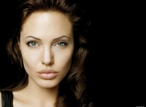 2 angelina jolie wallpaper