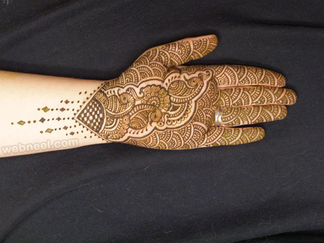 mehndi design traditional