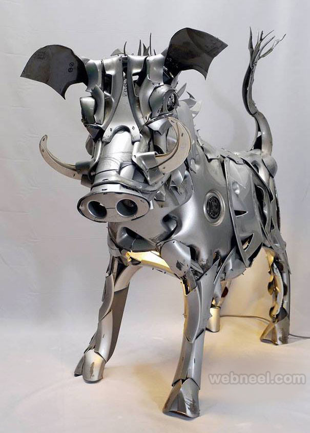 pig metal sculpture by ptolemy elrington