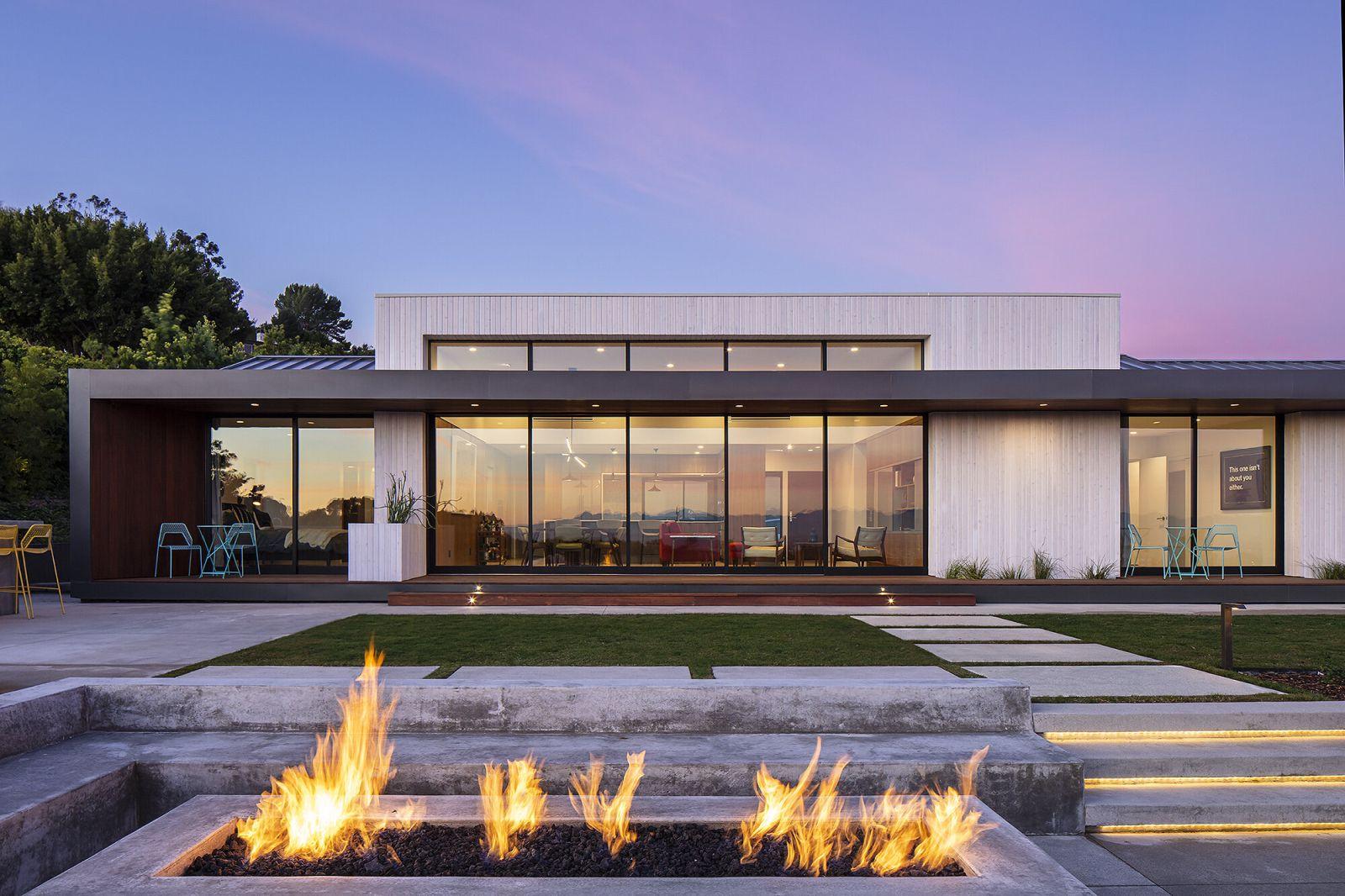 award winning design crestridge residence single family home by colega