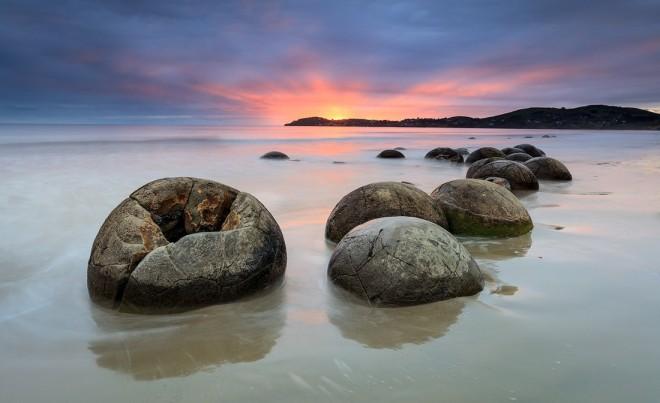 boulders photography by alan barker moeraki