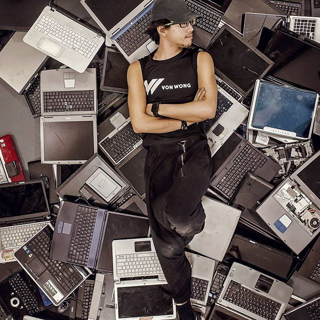 e waste surreal portrait photography by benjamin von wong