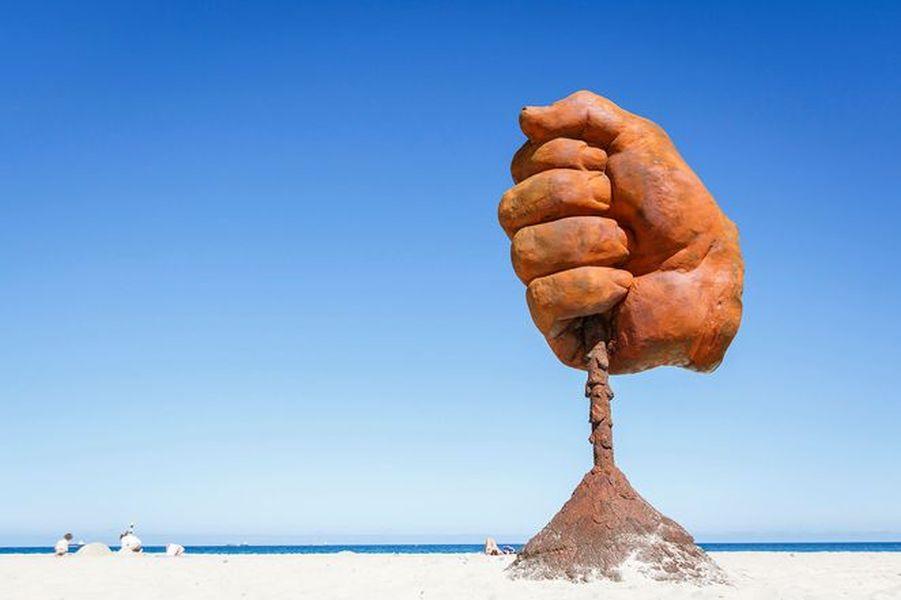 sculpture art contest by sea exhibition