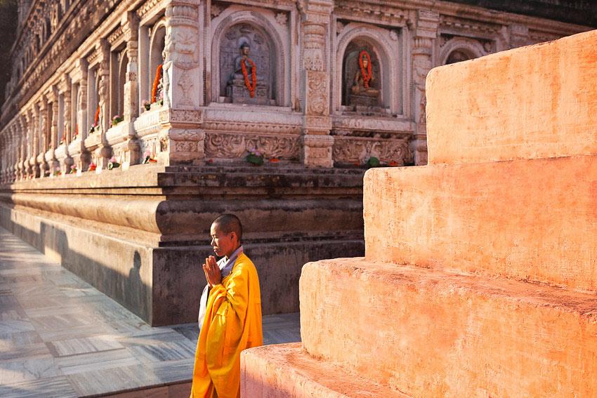 travel photography buddhism bodhgaya india