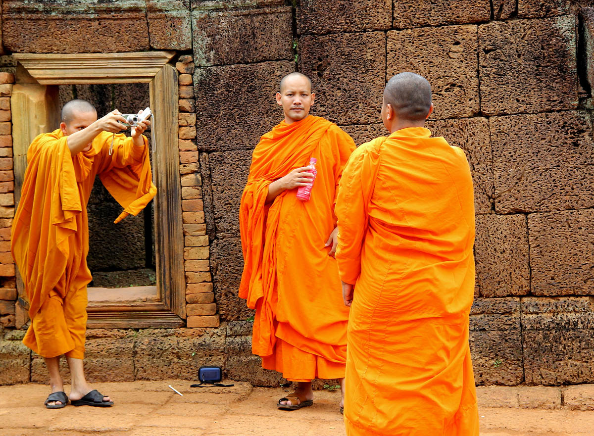 monks people photography by nick